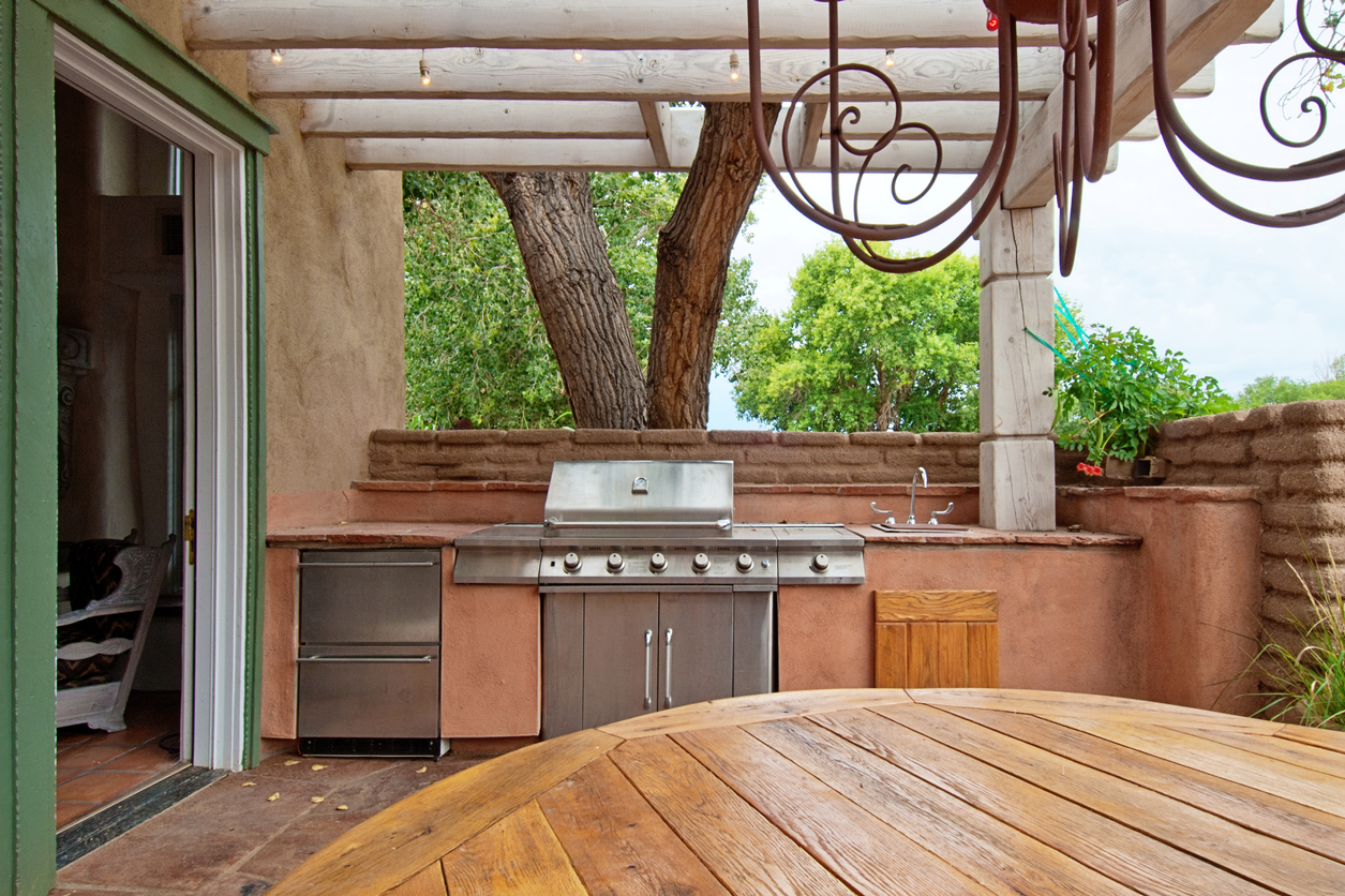 Outdoor Kitchen Design & Construction - Beltway Builders ...