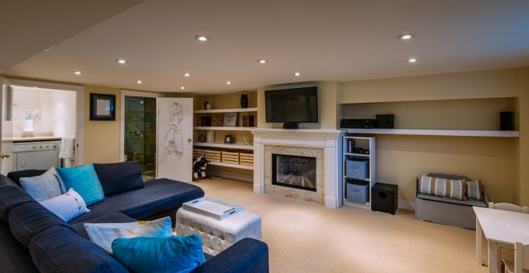 How To Create the Ultimate Basement for Entertainment