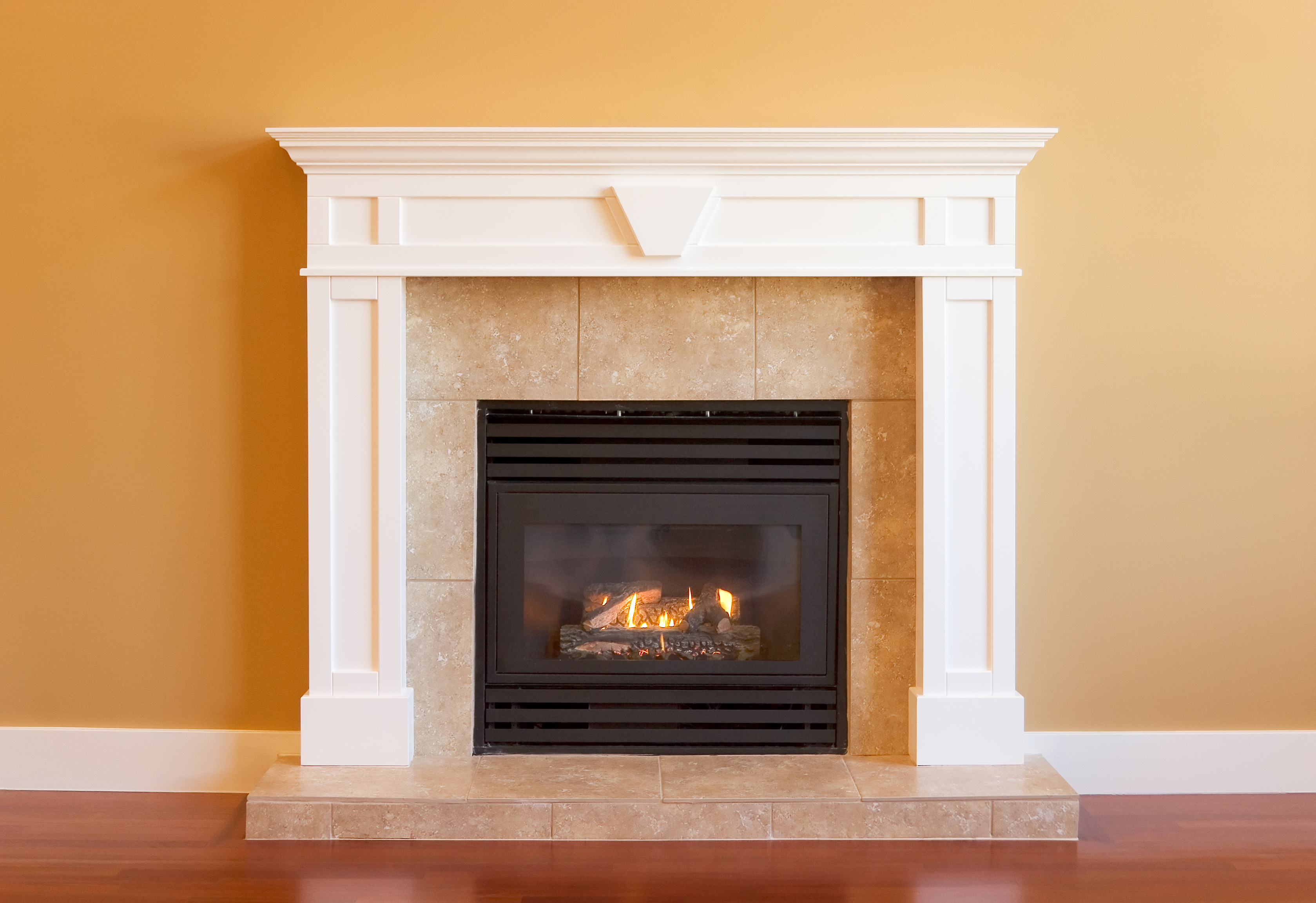 Trendy Options for Tiling Your Fireplace